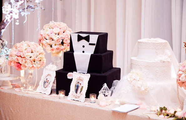 Trang trí bàn đón khách tiệc cưới