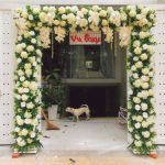 Trang trí tiệc cưới tại nhà mẫu cổng hoa 7