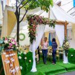 Trang trí tiệc cưới tại nhà mẫu cổng hoa 4