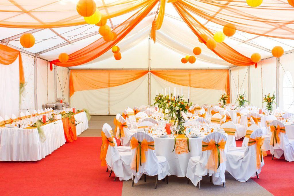 Trang trí tiệc cưới màu trắng