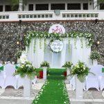 Trang trí đám cưới bằng hoa tươi