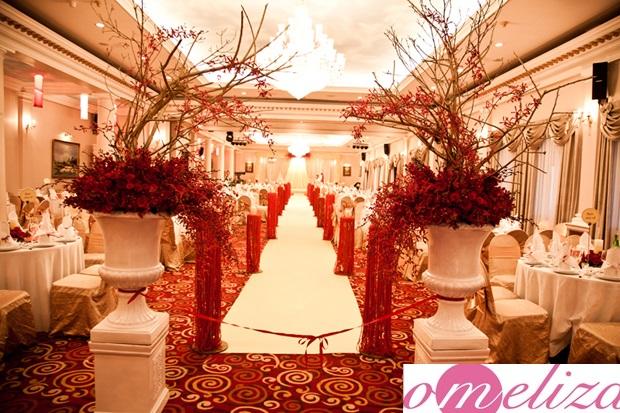 Trang trí đám cưới màu đỏ theo chủ đề truyền thống