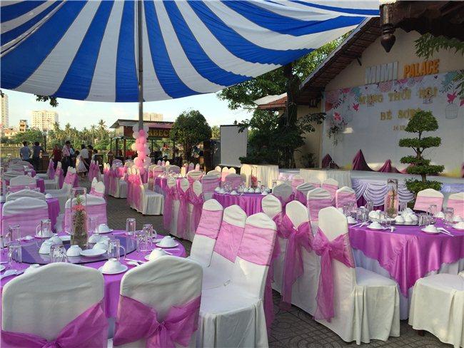 Rạp và bàn ghế đám cưới