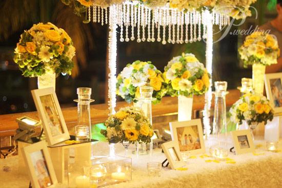 trang trí đám cưới màu vàng đồng