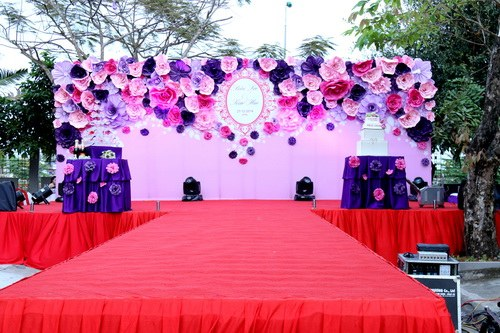 Backdrop đám cưới màu tím