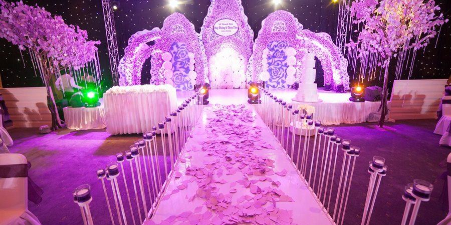 Kết quả hình ảnh cho tiệc cưới màu tím