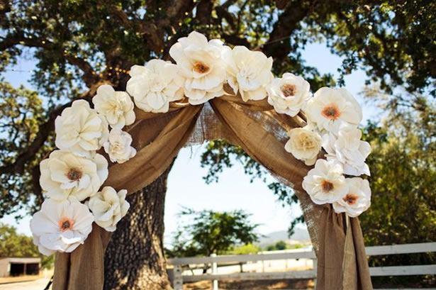 cổng hoa đám cưới bằng giấy