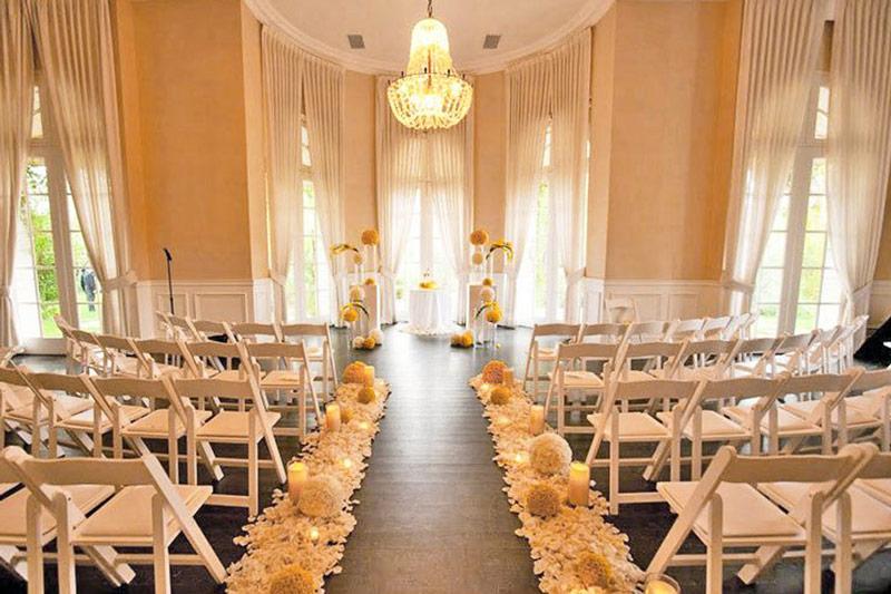 trang trí tiệc cưới lãng mạn