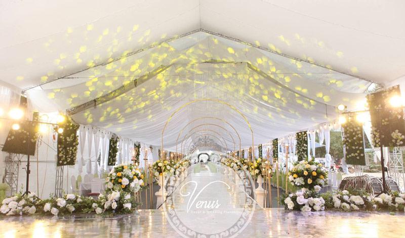 Nhà rạp trang trí đám cưới hoa tươi