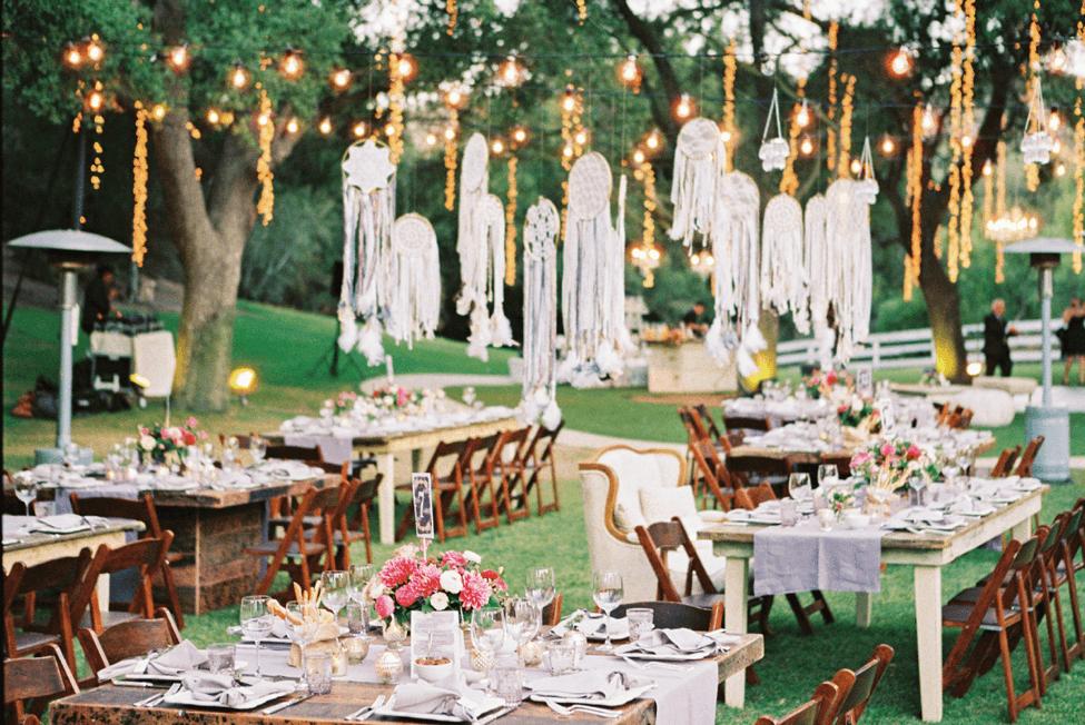 Tổ chức tiệc cưới ngoài trời lãng mạn