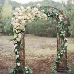 Cổng hoa cưới trang trí tiệc cưới ngoài trời 3
