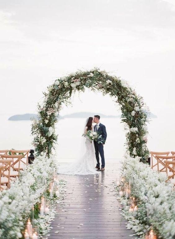 Cổng hoa cưới trang trí tiệc cưới ngoài trời 4