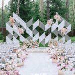 Backdrop cưới ngoài trời dạng hình khối