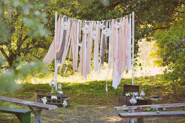 Backdrop đám cưới ngoài trời