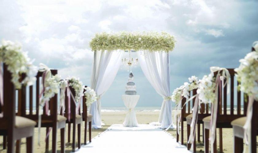 Bãi biển đẹp tổ chức tiệc cưới ngoài trời Đà Nẵng