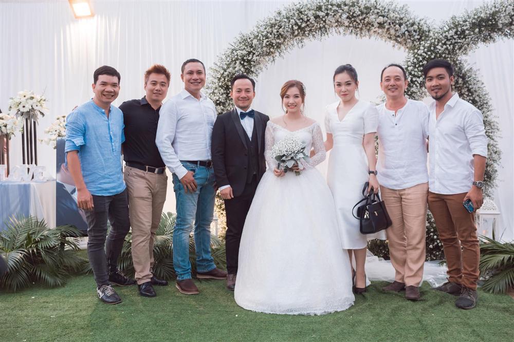 Hình ảnh cô dâu chú rể trong đám cưới